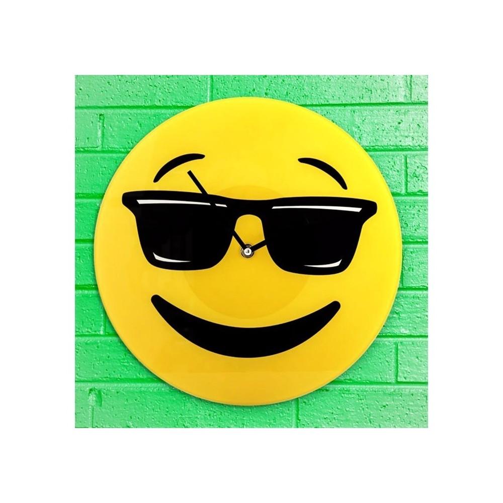 793231 Horloge murale en verre émoticône tête avec lunettes de soleil