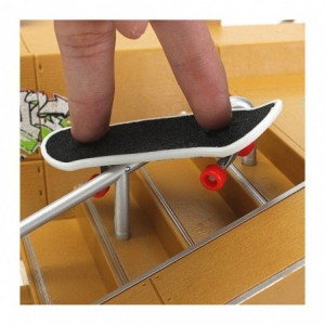 4485 Mini skate parc prêt à monter avec rampes et skateboards à doigts