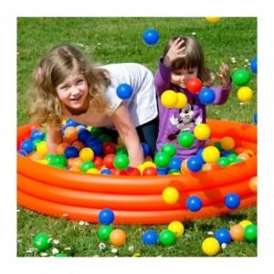 007244 Kit de 50 balles en plastique de 7 cm de différentes couleurs pour jouer