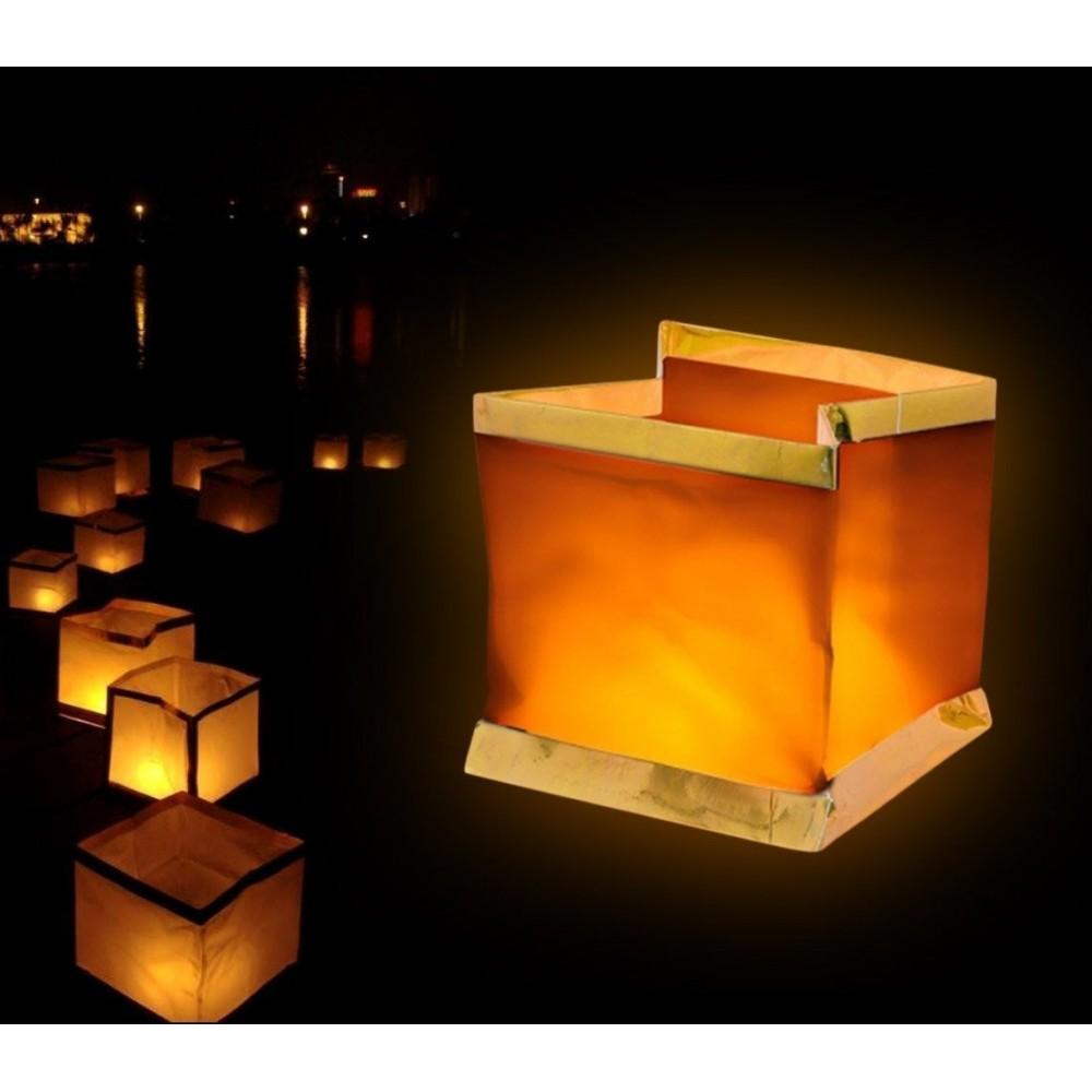 747 012 Pack de 5 lanternes ciel en forme de carré (bougies inclus)